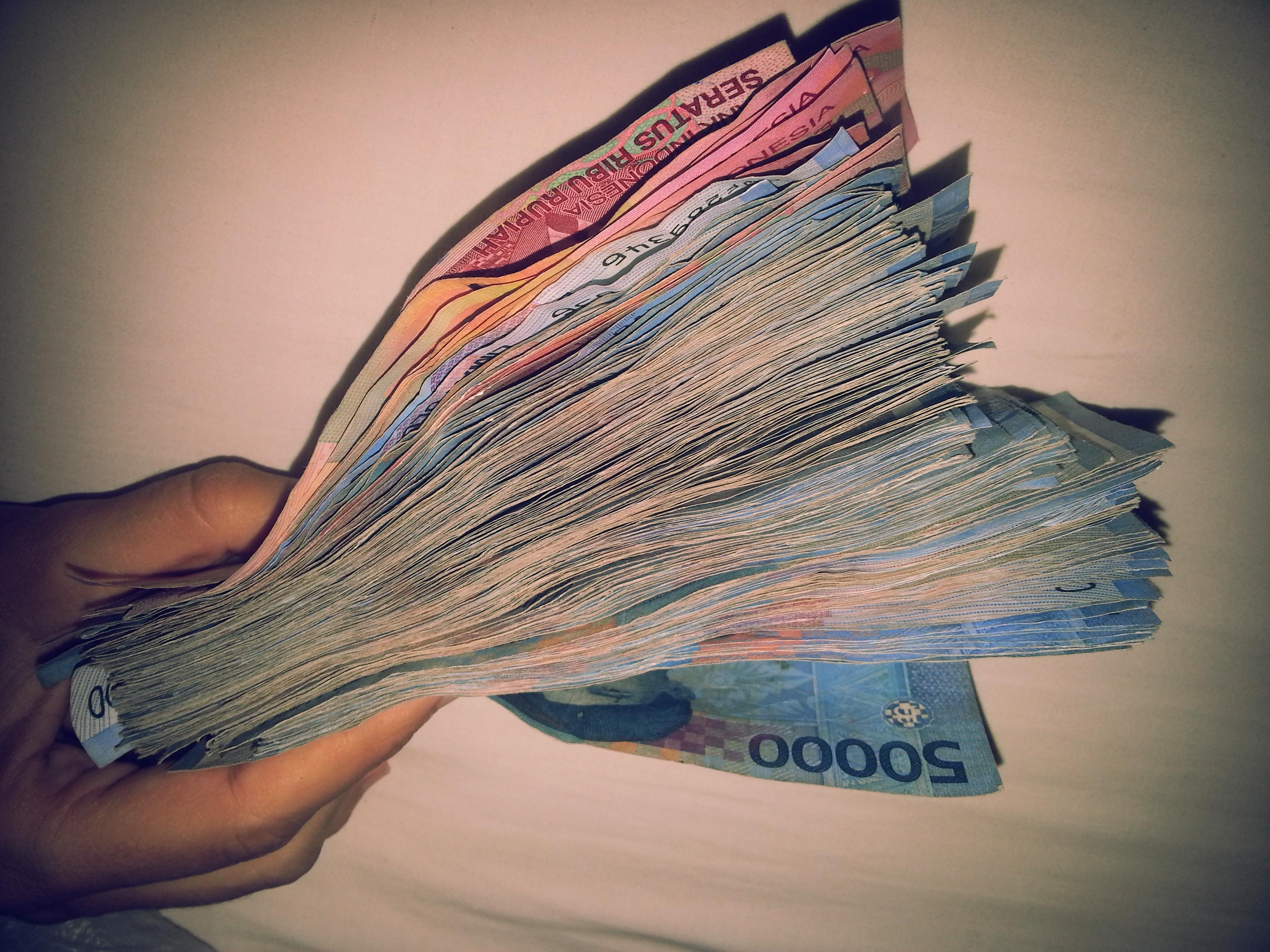 10 millones de rupias